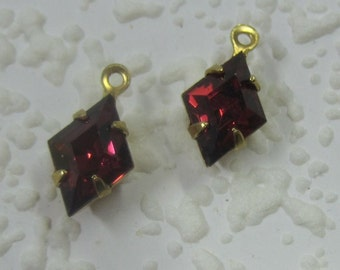 Diamond, KITE, Swarovski Crystal, Ruby Red,  13MM, 1 Ring, Multi Faceted, Rhinestone, Jewel, Brass, 4 Prong, Setting, Charm, Drop,
