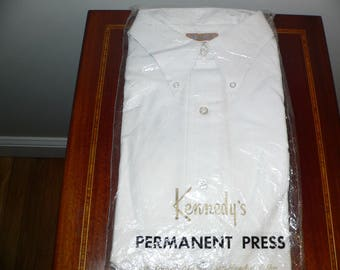 1960s Mens Long Sleeved White Dress Shirt Permament Press by Kennedy's of Boston / White Oxford Button Down Shirt