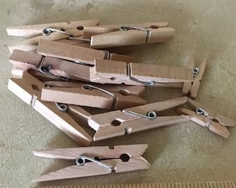 10 wooden Clothes pins