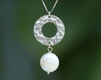 Silver simple Pearl Necklace