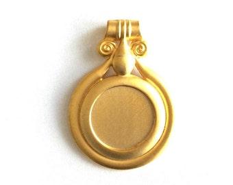 1pc - Matte Gold Plated Rustic Circle Pendant-70x50mm-(012-043GP)