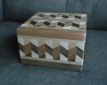 Wooden Jewelry Box (Square)