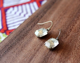 vintage glass earrings - clear