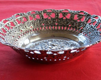 Vintage Art Nouveau Inspired Solid Silver Oval Trinket Tray – Sweden 1963