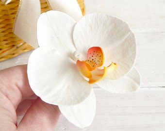Hawaii flower hair piece White orchid hair clip Bridal headpiece Flower orchid hair pin Orchid hair comb Tropical flower Wedding accessory