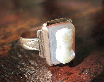 Antique Victorian Cameo Ring - 10K Rose Gold - Hardstone - Sardonyx - Needs a Repair - 1870s