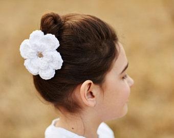 White Hair Clip Crochet Flower Hair Clip Flower Barrette White Barrette White Flower Girl Hair Clip Communion Hair Clip Wedding Hair Clip