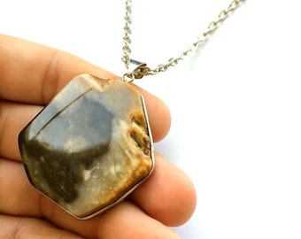"The ""INDIAN SUMMER""  Collection. Sliced Agate Necklace with 28"" Rhodium Chain. Gift Box Included. Tracking Included for US Buyers."