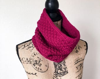 Knit Cowl scarf, pink textured cowl, woman's scarf, 100% wool cowl, chunky cowl