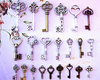 62 Skeleton Steampunk Keys Beads Necklace Charms Crafts Gift DIY Jewelry Antique Type Necklace Earrings Pendant Findings Display Collectible