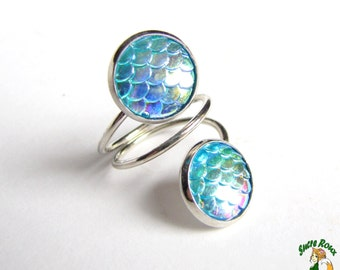 Ring Double scales Dragon / Mermaid resin 12mm iridescent blue backing