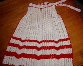 vintage apron ... festive and lovely  HAND CROCHET vintage APRON ...