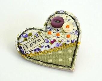 Heart pin, heart brooch, heart pinback, love heart badge, green heart, fabric heart brooch, textile heart pin, love heart, Valentines gift