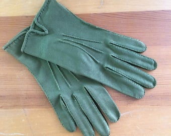 60s Elevette by Dawnelle Olive Green Driving Wrist Gloves, Size Small