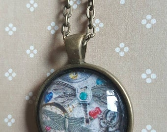 25mm round pendant necklace - steampunk dragonfly and key necklace