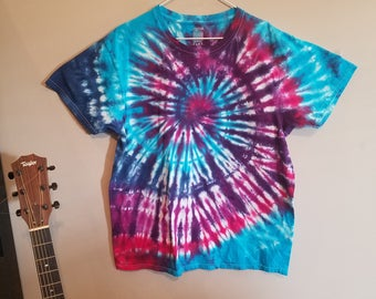 Adult L tie dye tshirt, mens/womens Large tie dye shirt, blue pink purple tie dye #J172 hand dyed READY TO SHIP! Two Twisted Tie Dye