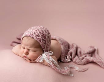 Photo prop knitted  merino wrap set,wrap and bonnet newborn prop white pink colour