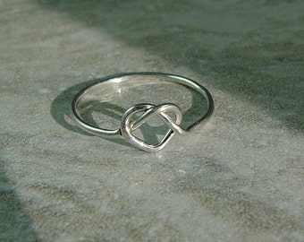 Silver Sweet Heart Ring / Tie The Knot Ring / Best Friend Love Knot Ring / Bridesmaids Gift
