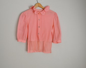 vintage 40s 50s tropicana pink cropped blouse with rhinestones and scalloped collar-- womens small