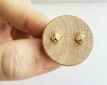 14K Gold Pebble stud earrings. Faceted Pebble Stud Earrings in 14K Gold. Gold pebble earrings.  Solid Gold Stud earrings.