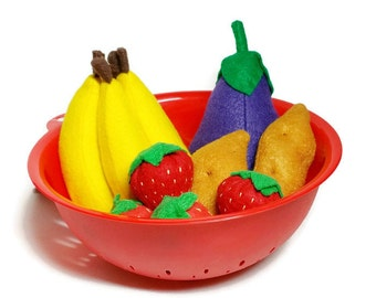 U-Pick Garden Vegetable Set with Red Colander  - fresh and felt! eco-friendly felt play foods - washable and durable!