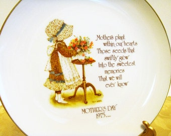 Mother's Day Plate, Holly Hobbie Mother's Day Plate from 1975, Holly Hobbie Collector's Plate, Mother's Day Gift for Mom, Remembering Mom