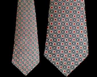 Vintage 50s Van Heusen Van Cruise Floral Wide Tie