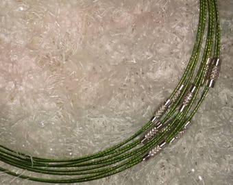Choker semi-rigid green cable clasp at aims