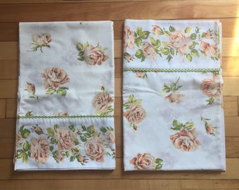 Vintage 1970s Peach Pink Rose Floral Pillowcases!
