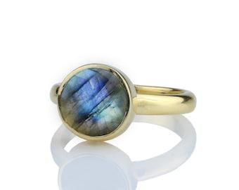 SUMMER SALE - Labradorite ring,gold ring,stacking ring,gemstone ring,Labradorite stone ring,bezel ring,changing color