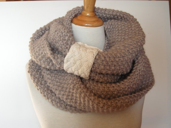 woman knit cowl - knit scarf - infinity scarf - loop scarf - handknit scarf - pure new wool scarf - circle scarf - girlfriend gift