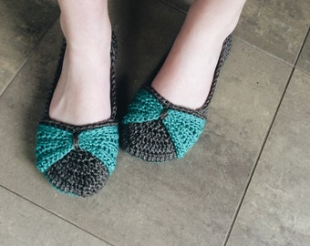 Crochet slippers - Women's Crochet House shoes - bow slippers - green and brown tan gray - custom made knit slippers