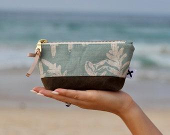 Little zipper pouch, pouch, linen pouch, zipper pouch, screen printed pouch, lined pouch, coin purse, coin pouch, zipper coin purse, purse
