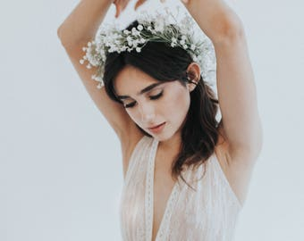 Deep v-neck lace wedding dress