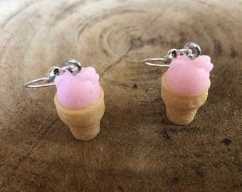 Summer Ice cream earrings in 3 colors pink, yellow & white!