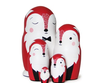 "Red Fox Family, Nesting Dolls, 6,6"",  5 pcs"