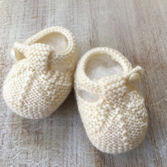 Baby Booties / Knitting Pattern Baby French Instructions / PDF / 4 Sizes Newborn - 3 months - 6 months - 9 months