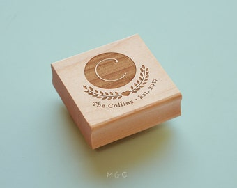 Lovely Crest - Botanical Collection - Personalized Stamp