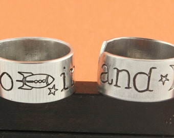 VENTE - à l'infini et au-delà l'ensemble de l'anneau - meilleures amies bague Combo - amitié - BFF - anneaux en aluminium réglable - étampé anneaux