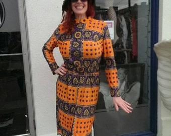 beautiful purple and orange paisley 1970 day dress!!