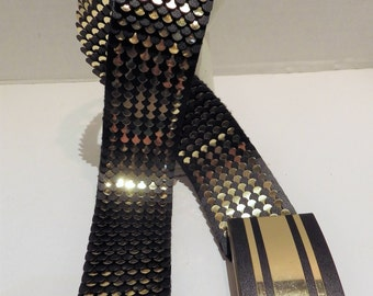 1980s Vintage Stretch Belt Metallic Gold and Black Fish Scales Metal to 42""