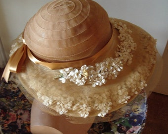 Early 1930's Original Pale Yellow  Horsehair Hat/White Floral Trim Item #148  Hats