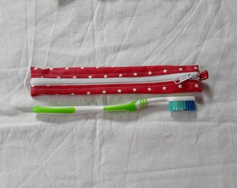 Pouch / Holster toothbrush red oilcloth with white stars (1)