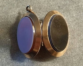 Gold-filled Banded Agate and Sardonyx Double Sided Locket Pendant circa 1860