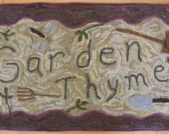 "Primitive Rug Hooking Pattern: ""Garden Thyme"" (44 1/2"" x 21"")"