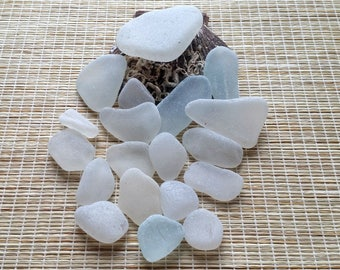 20 white sea glass bulk, genuine sea glass. Surf tumbled. Genuine beach glass. Jewelry making, wedding, beach decor, mosaic #102#