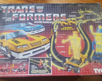 Extremely Rare, Vintage & Amesome The Transformers More Than Meets the Eye! Electric Racing Set with Nite Glow