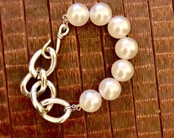 Metal  silver chain and pearls