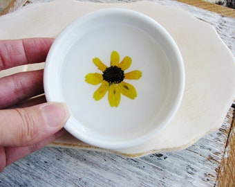Yellow Flower Ring Dish, Floral Ring Holder, Small Catchall Bowl, Jewelry Dish, Pressed Flower Jewelry Dish