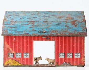 Vintage Red Barn, Ohio Art